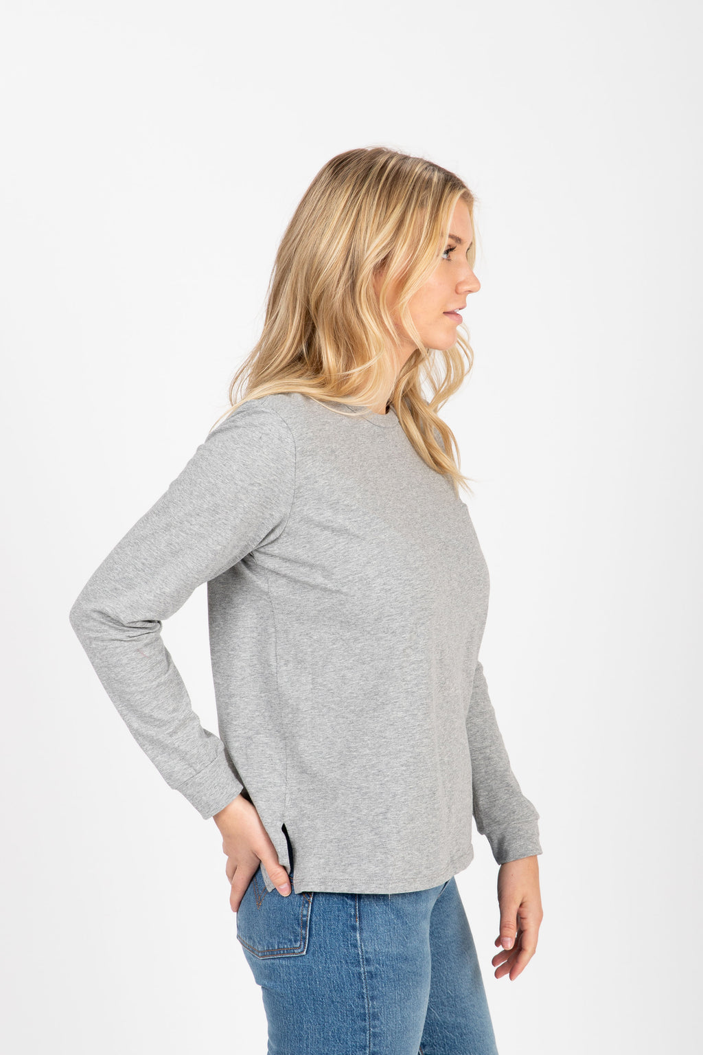 Piper & Scoot: The Crew Long Sleeve in Heather Grey, studio shoot; side view