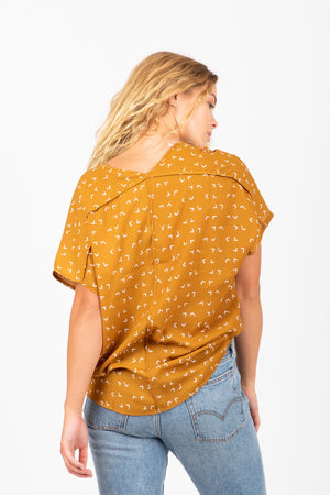 The Kendall Patterned Casual Blouse in Oak