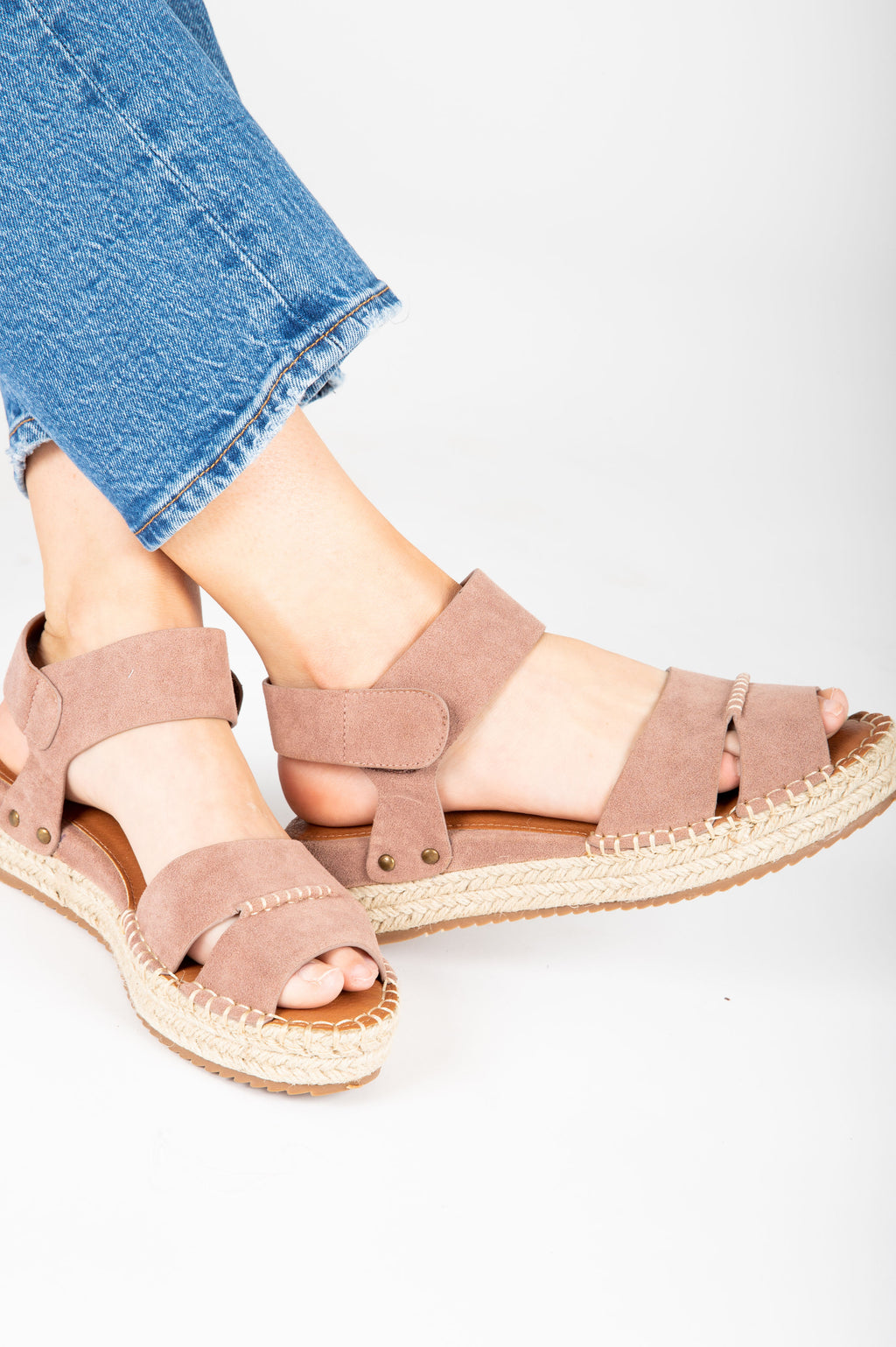The Amber Espadrille Platform Sandal in Mauve, studio shoot; side view