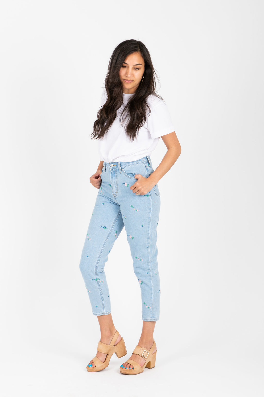 Levi's: Mom Jean in Another Mother