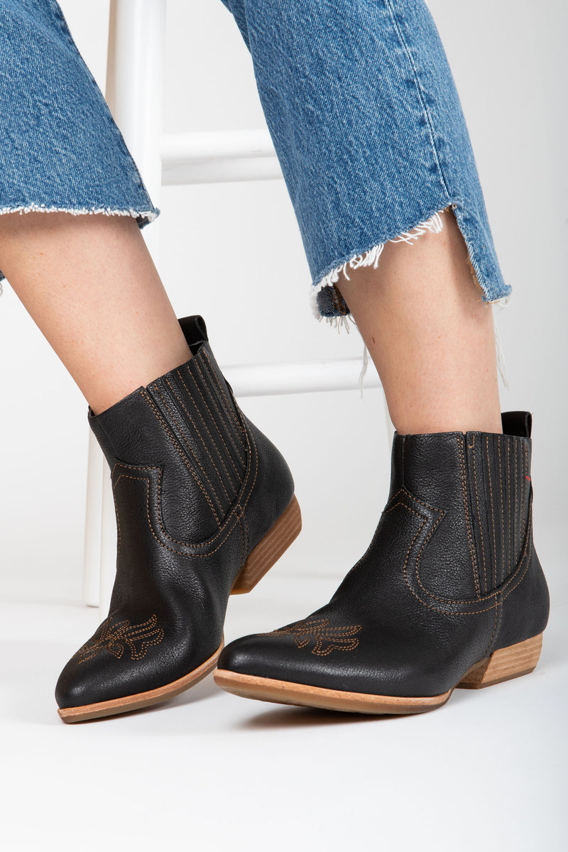 Kork-ease: Prairie Boot in Black