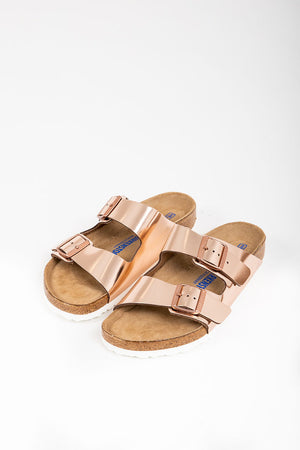 Birkenstock: Arizona Soft Footbed in Metallic Copper Leather (Narrow Fit)
