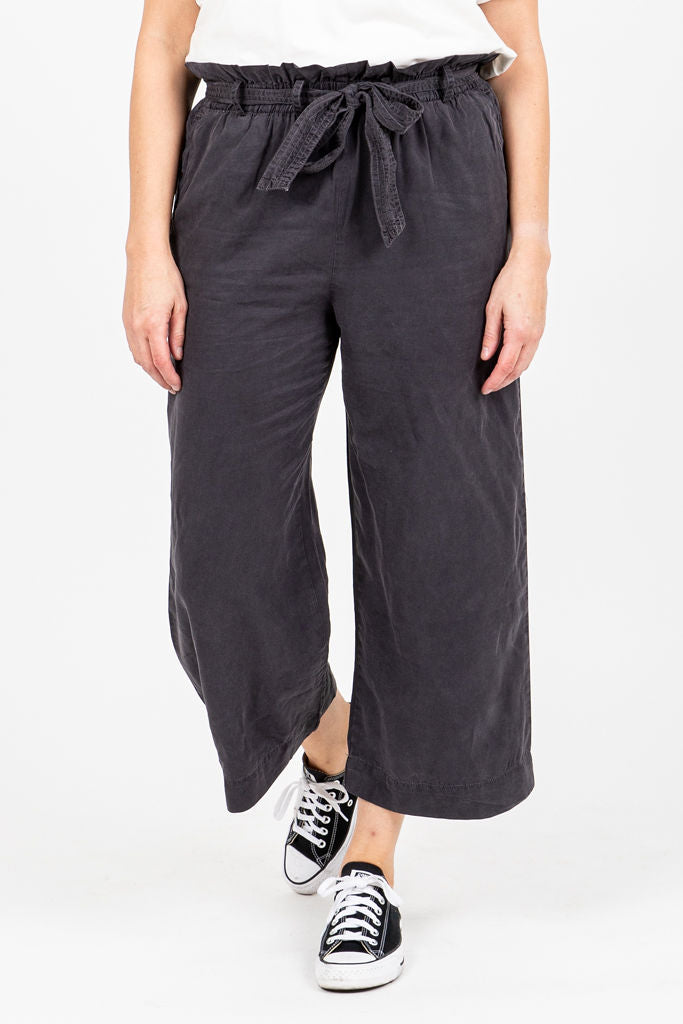The Gleeson Belted Casual Trouser in Charcoal