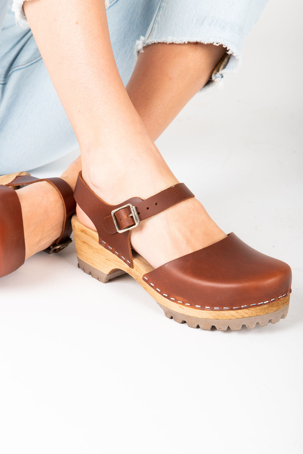 MIA: Freja Platform Clog in Brown Leather