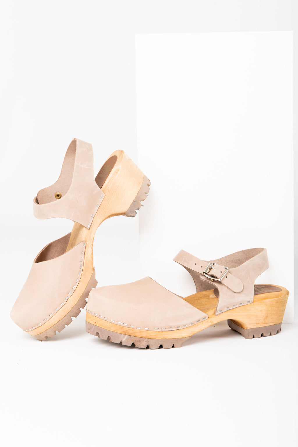 MIA: Freja Platform Clog in Taupe Leather