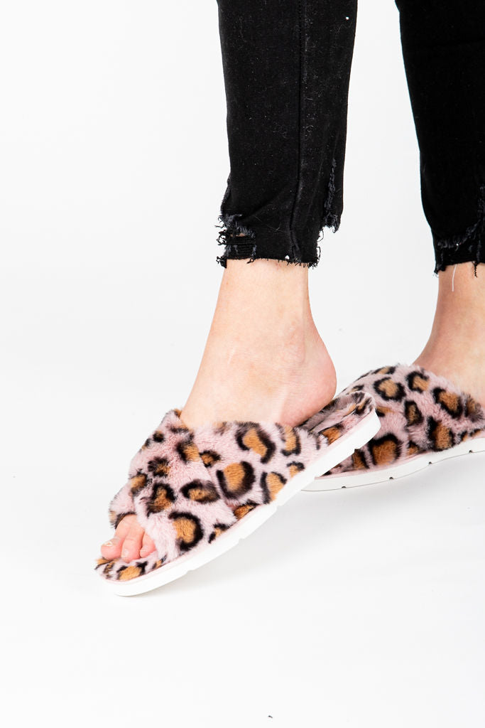 Dolce Vita: Pillar Slippers in Leopard Faux Fur