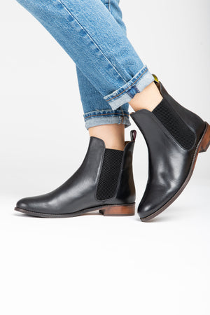 Joules: Westbourne Leather Chelsea Boot in True Black