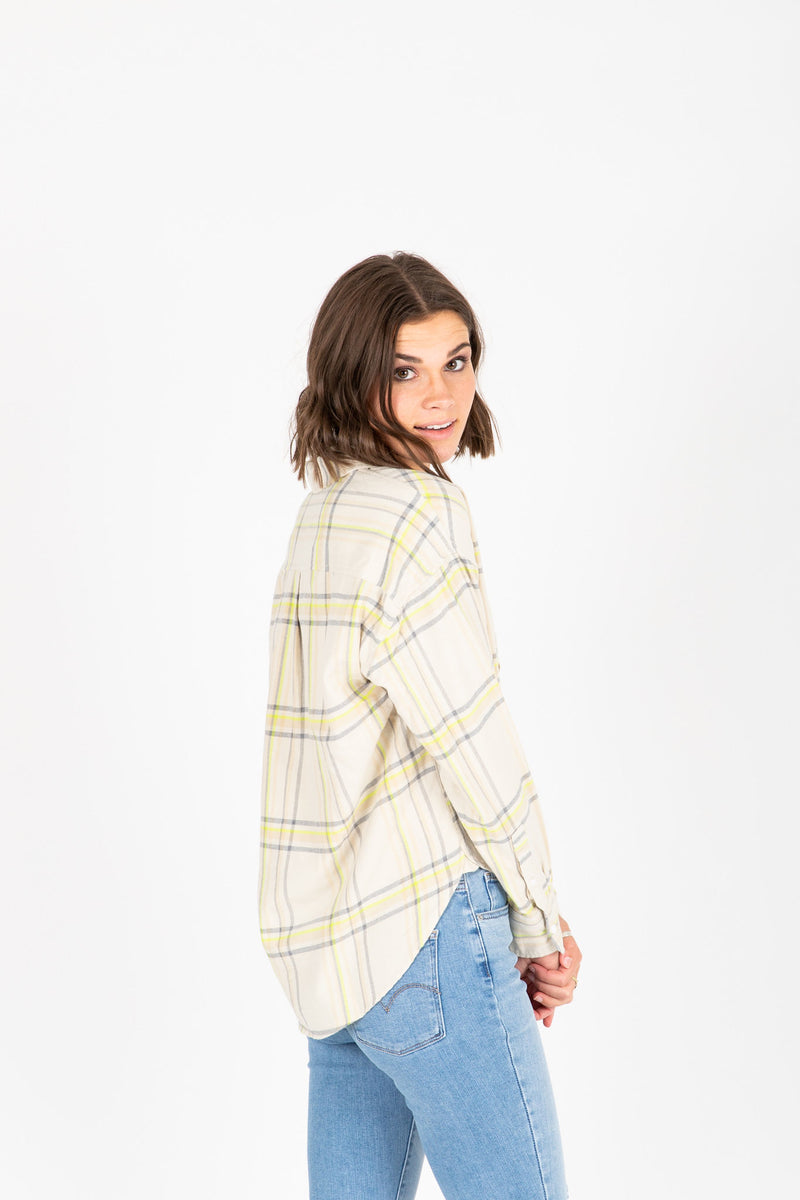 Levi's: The Relaxed Shirt in Plaid, studio shoot; back view