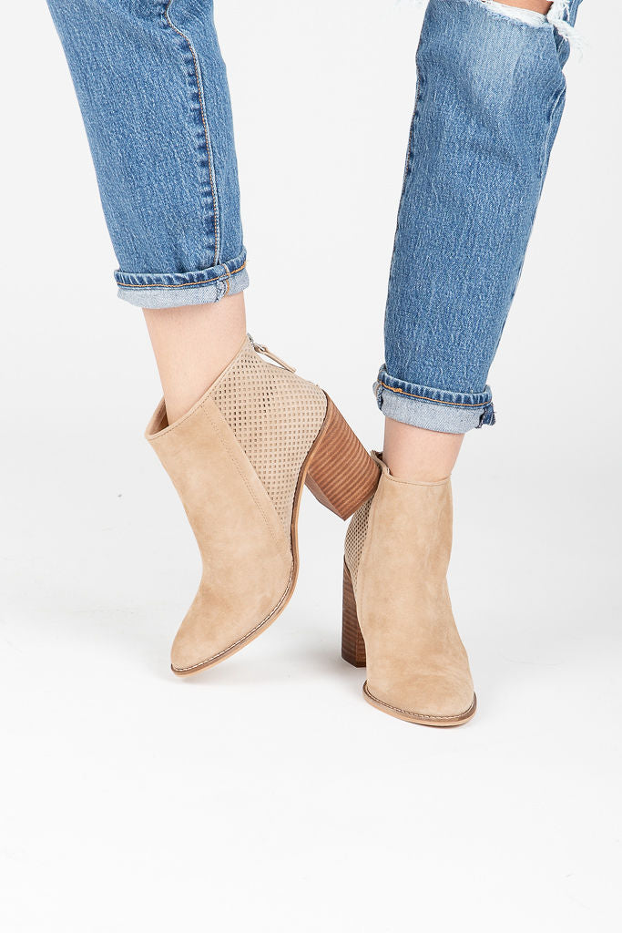 Steve Madden: Replay Bootie in Taupe
