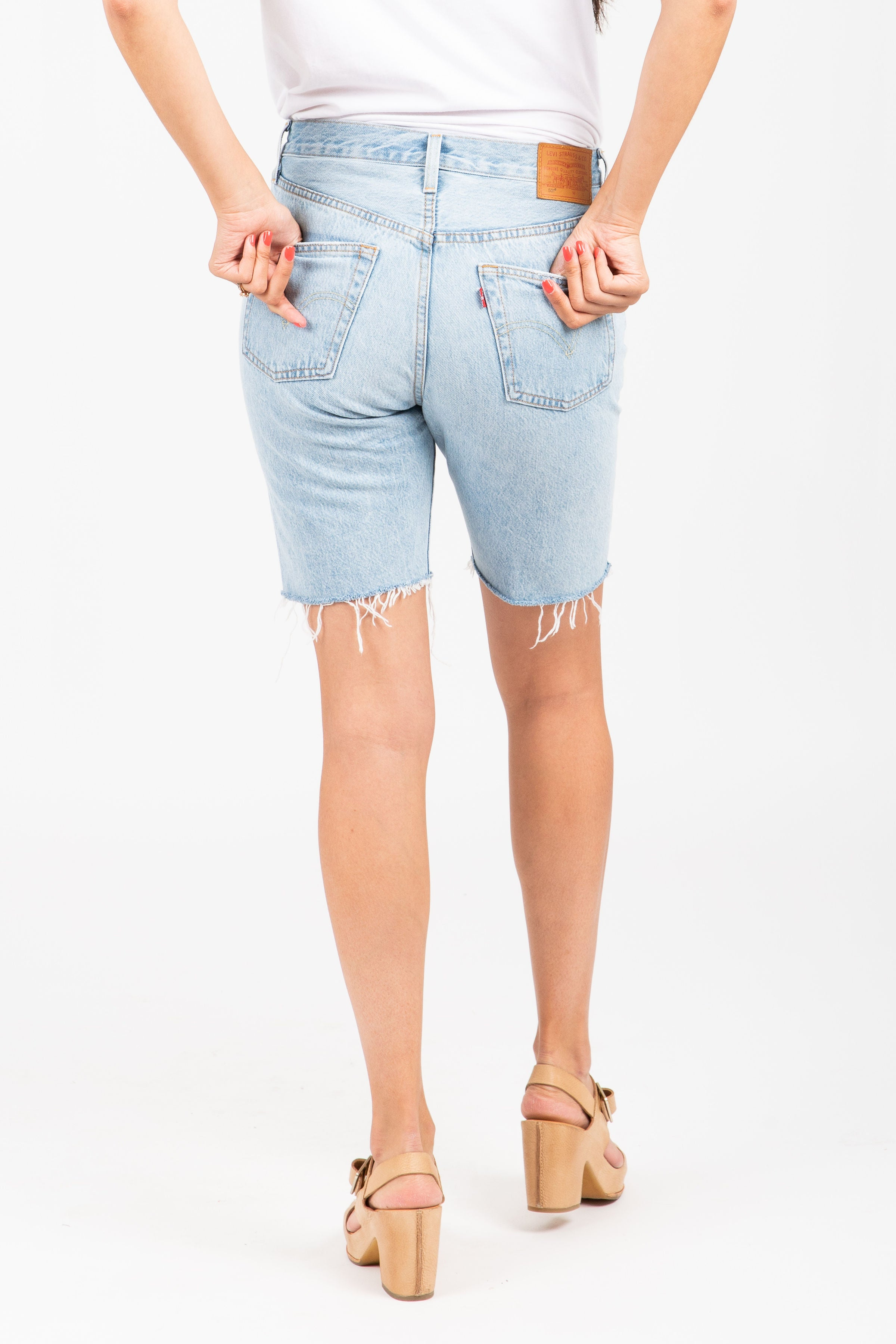 Levi's: 501 Slouch Short in Slouch Around