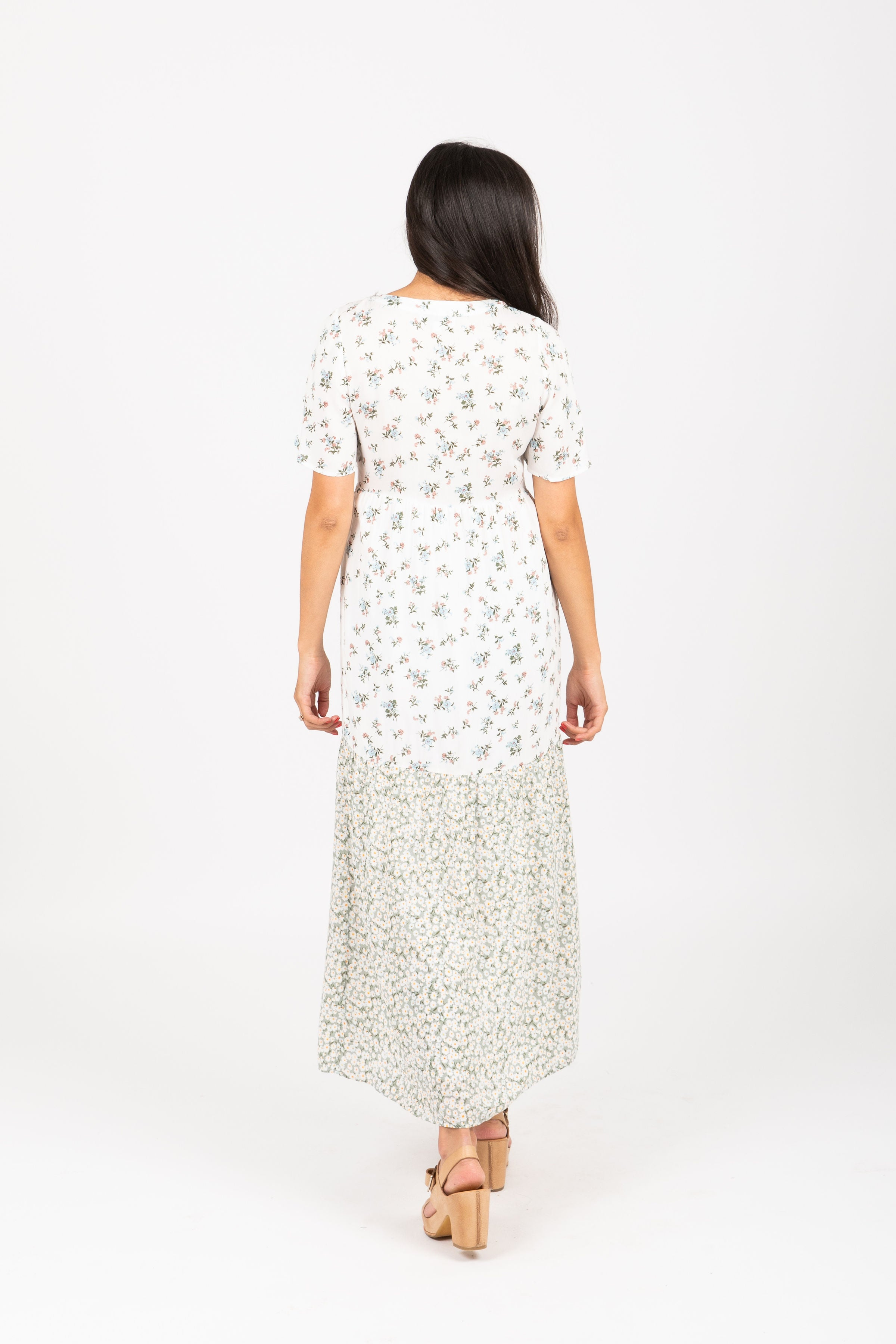 The Odyssey Floral Contrast Maxi Dress in Sage