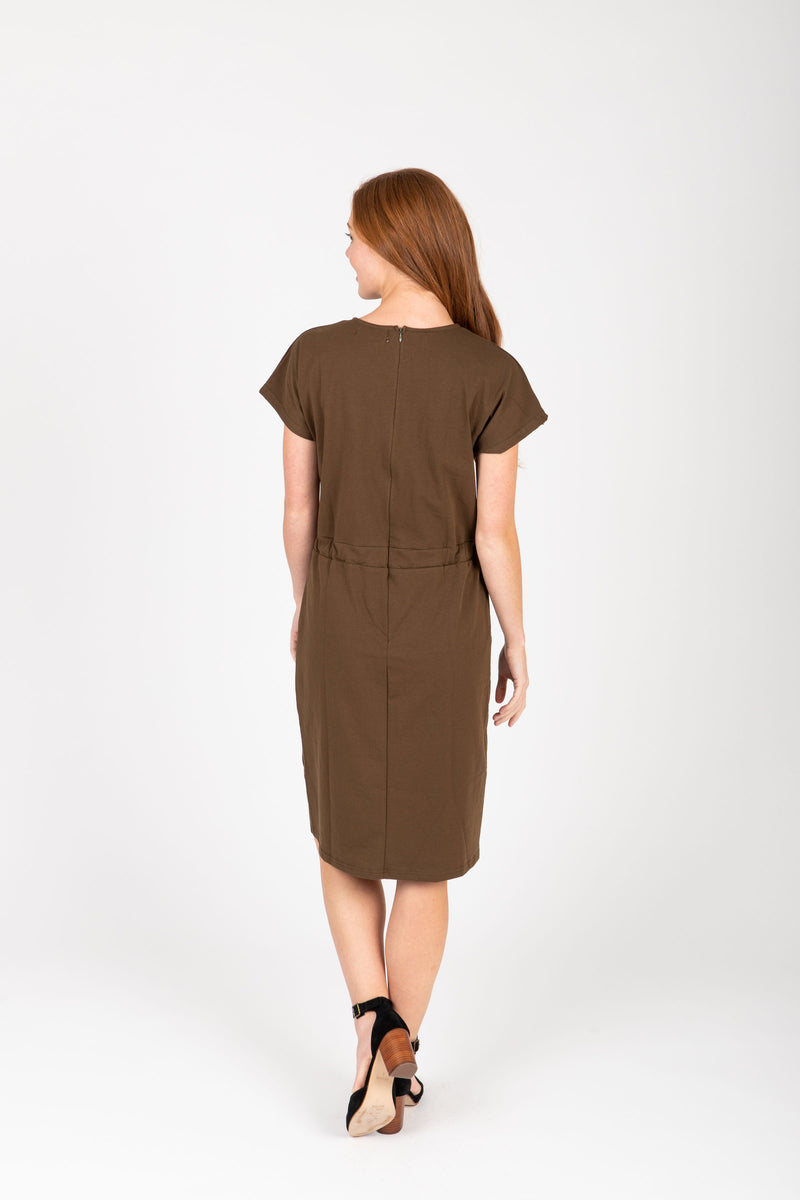 Piper & Scoot: The Casa Cinch Casual Dress in Hunter Green, studio shoot; back view