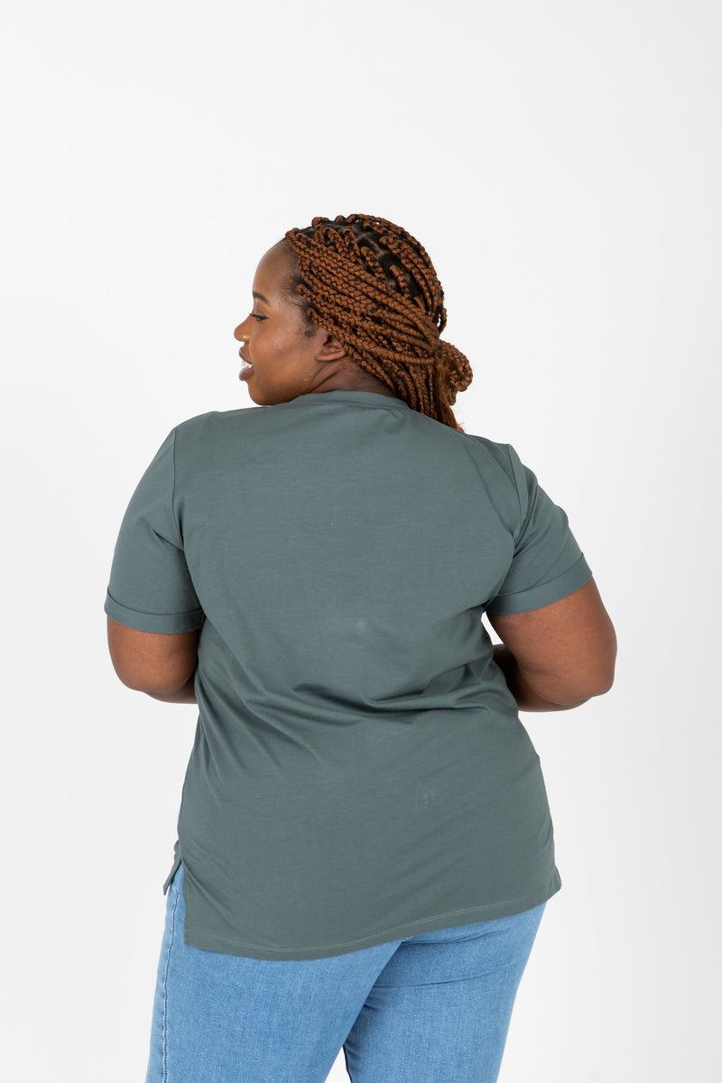 Piper & Scoot: The Tee in Teal, studio shoot; back view
