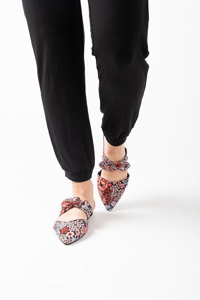 BC: Quarter Flat in Black Floral