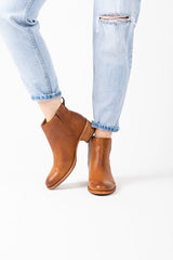 Kork-Ease: Mindo Boot in Brown