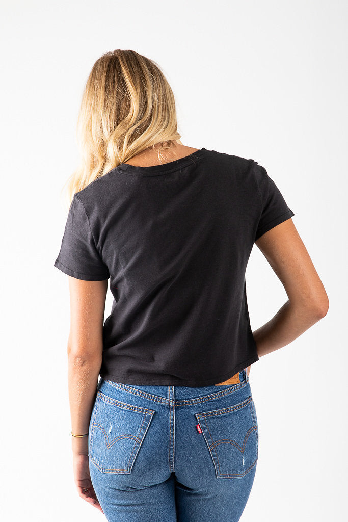 Levi's: Graphic Cropped Tee Shirt in Black