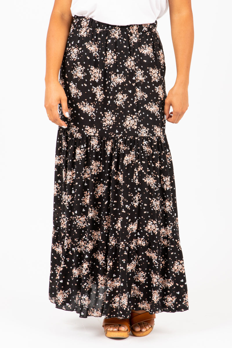 The Wolov Speckled Maxi Skirt in Black