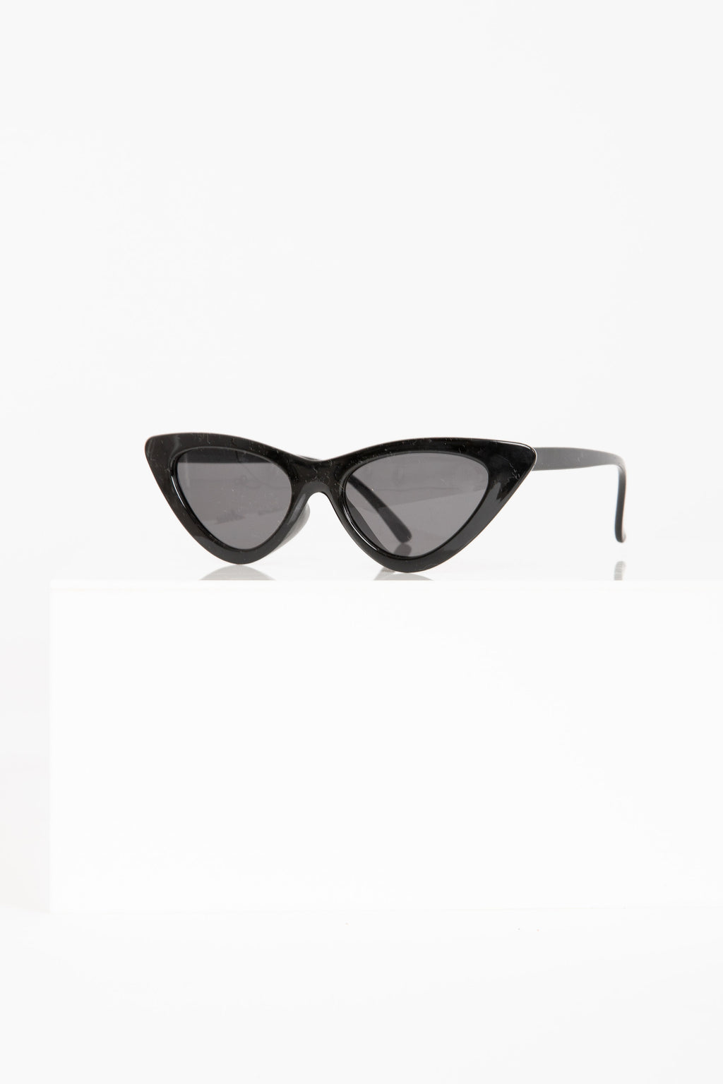 Slim Cat-Eye Sunglasses in Black
