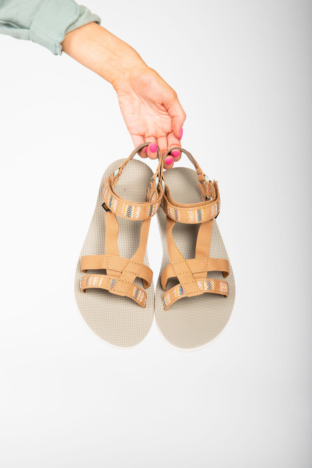 Teva: Midform Arivaca in Aviles Burnt Olive, studio shoot; front view