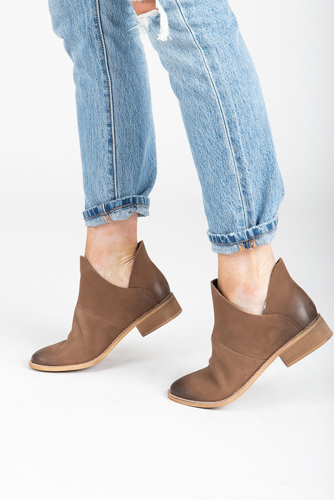 Crevo Footwear: Britain Bootie in Brown