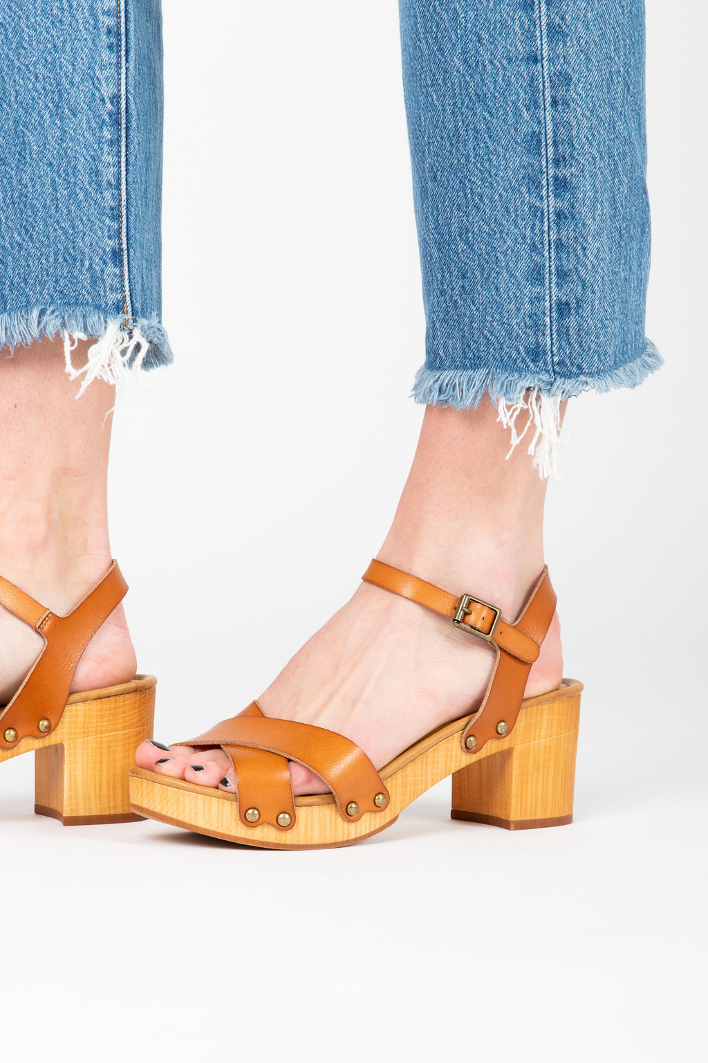 MIA: Susan Platform Clog in Natural