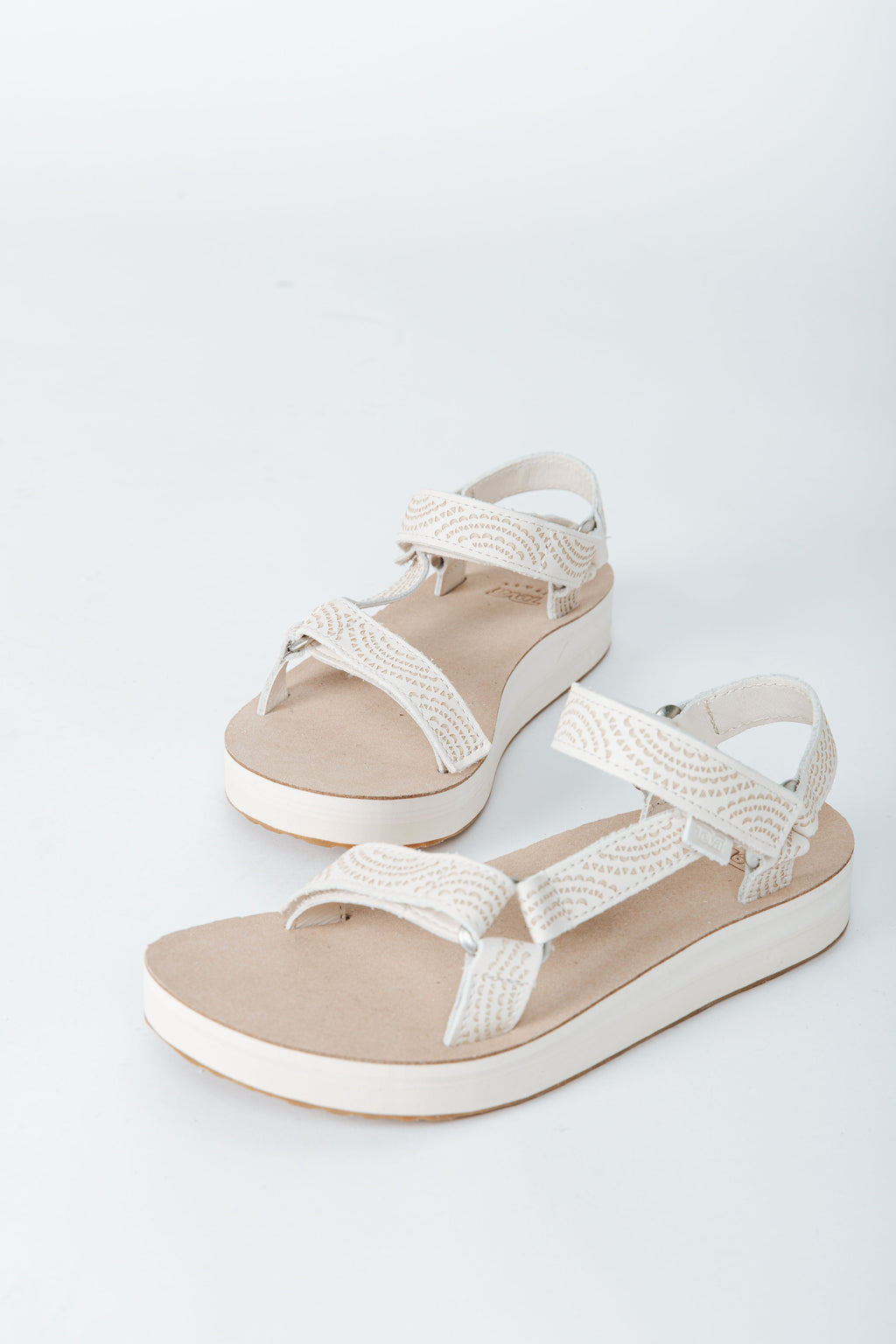 Teva: Midform Universal Geometric in White Swan, studio shoot; front view