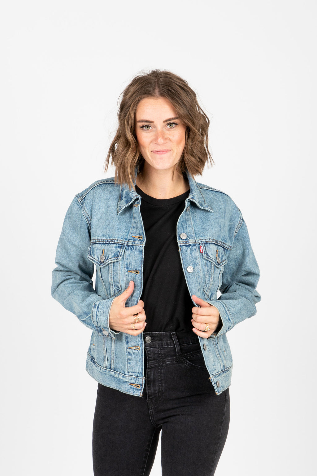 Levi's: Ex-Boyfriend Trucker Jacket in Dream of Life, studio shoot; front view