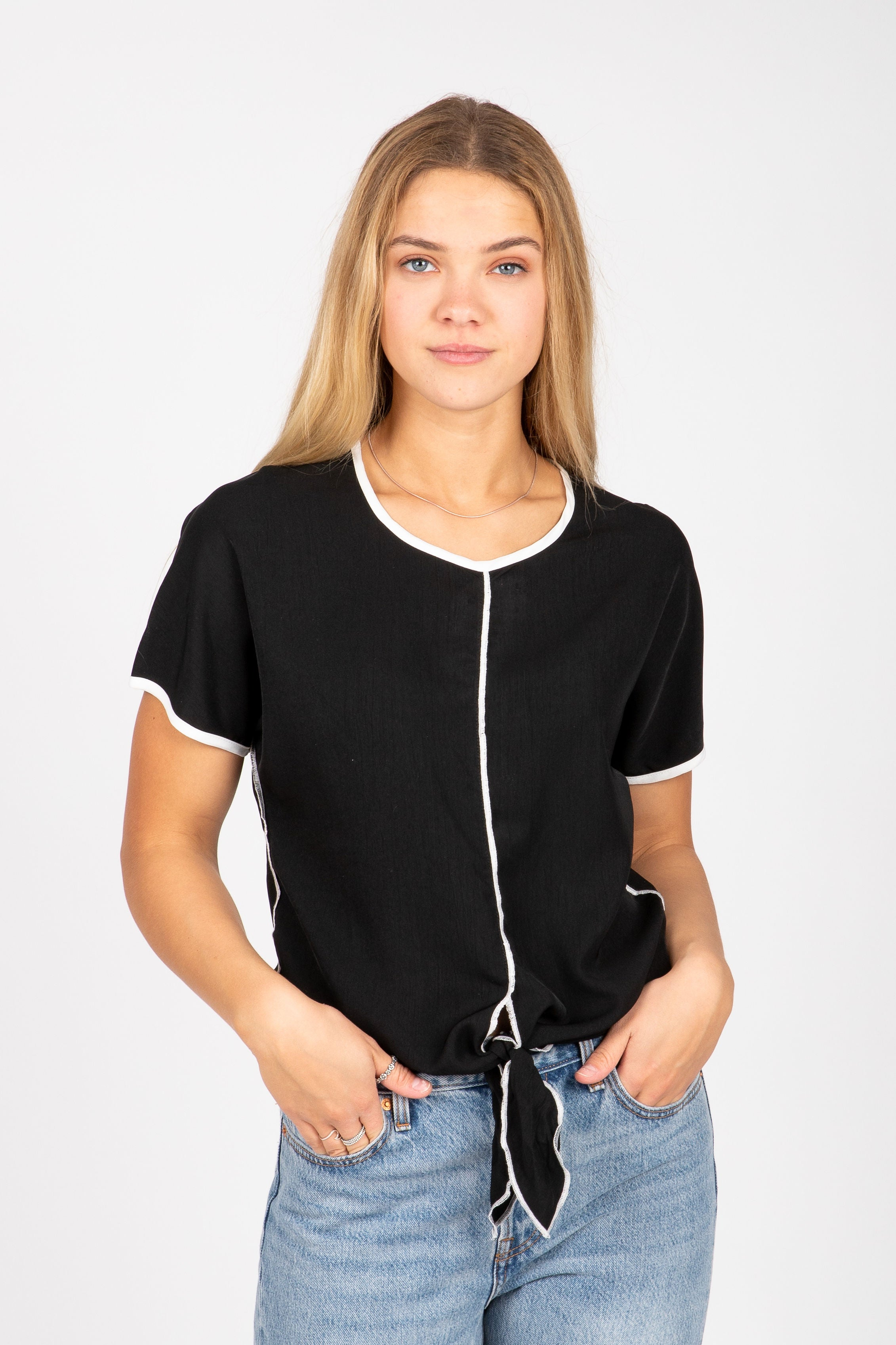 The Show Contrast Tie Front Blouse in Black