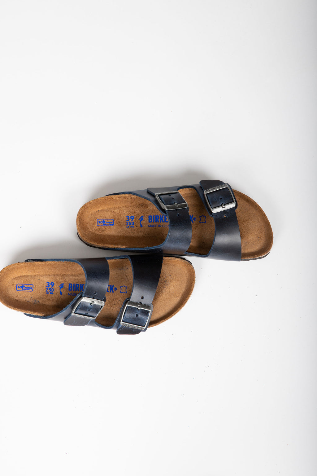 Birkenstock: Arizona Soft Footbed Oiled Nubuck Leather in Blue (Narrow Fit)