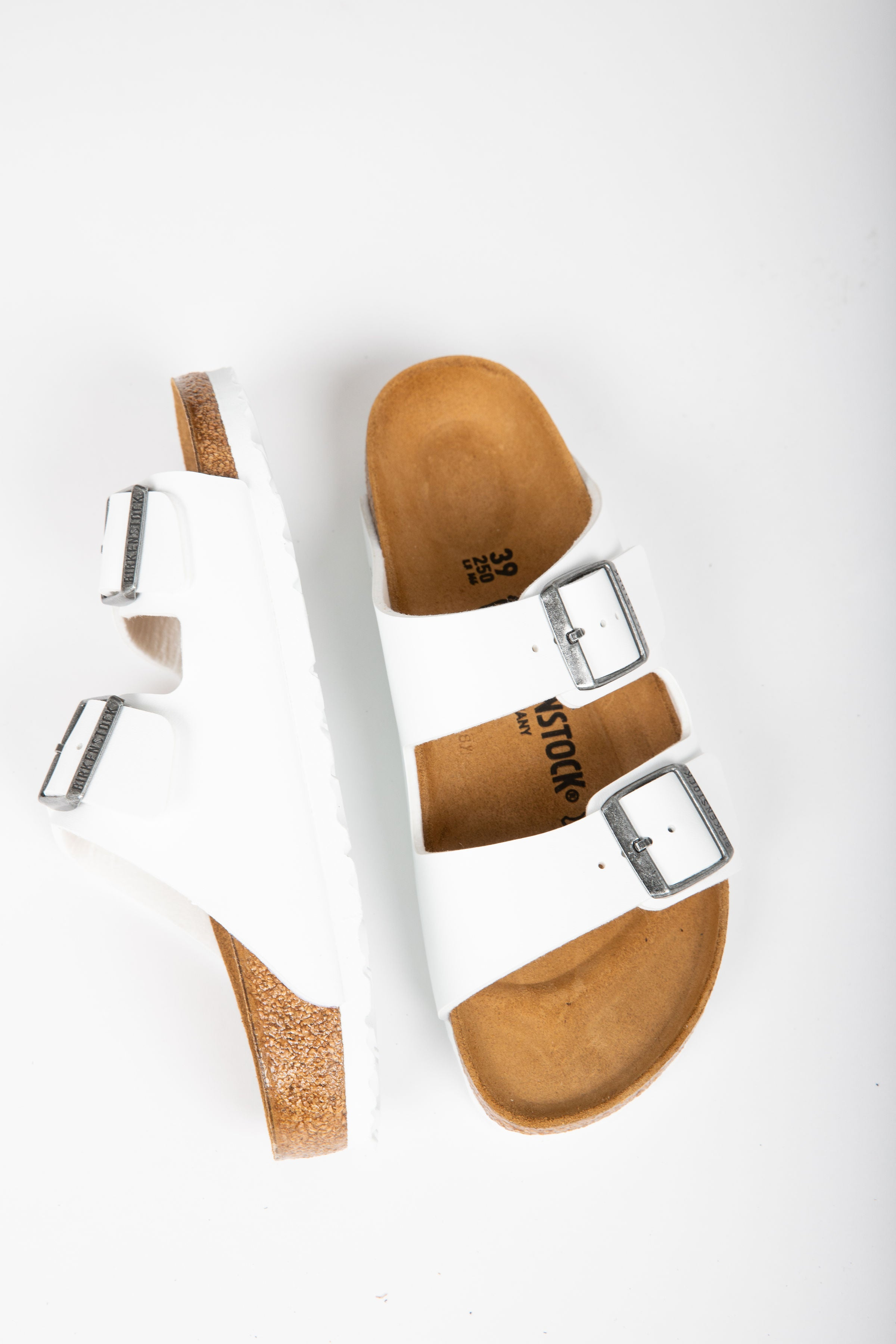 Birkenstock: Arizona Birko-Floor in White (Regular Fit)
