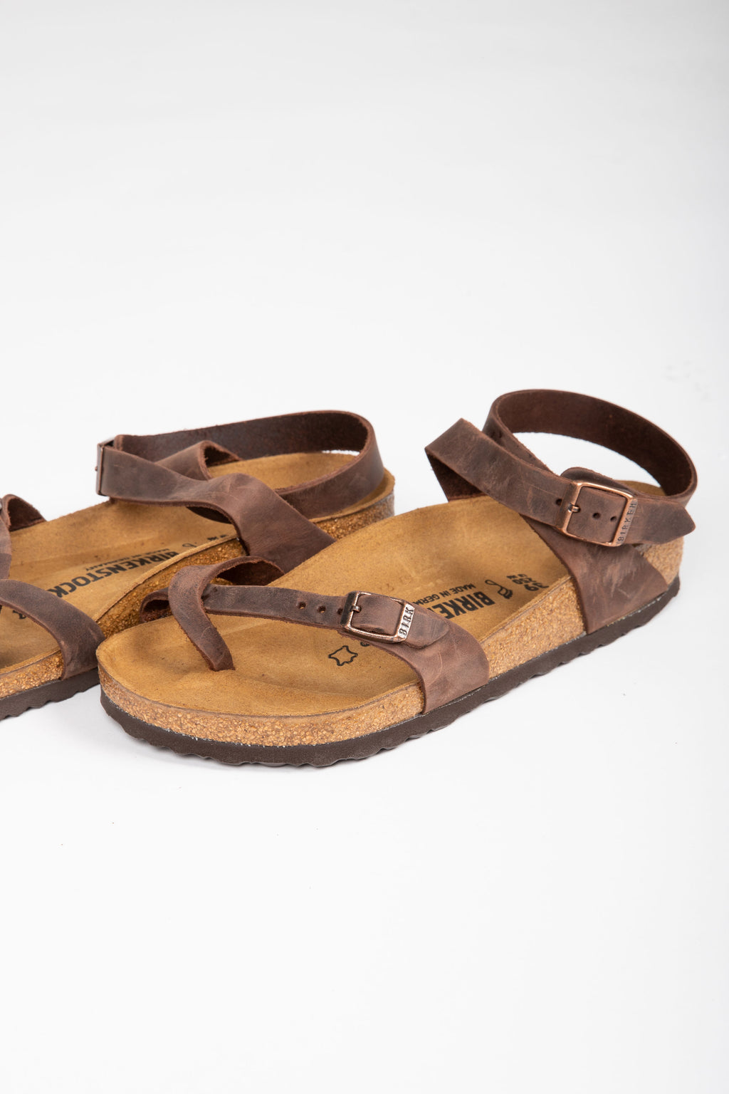 Birkenstock: Yara Oiled Leather in Habana (Regular Fit)