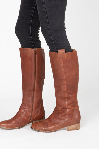 Sorel: Cate Bootie in Camel Brown