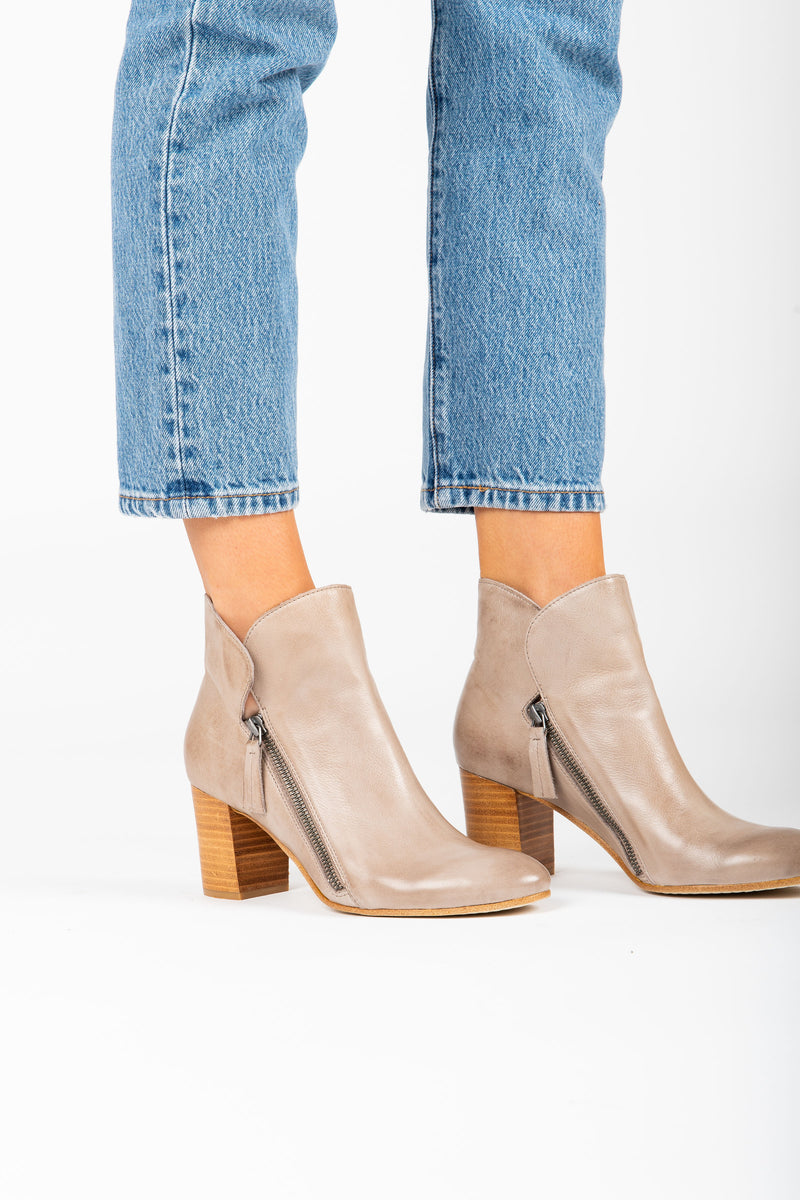 Silent D: The Uriah Boot in Taupe Leather