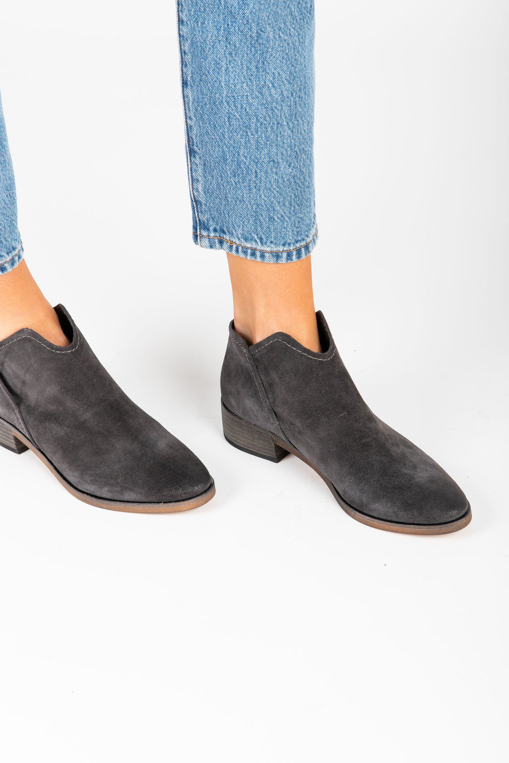 Dolce Vita: Trist Booties in Anthracite