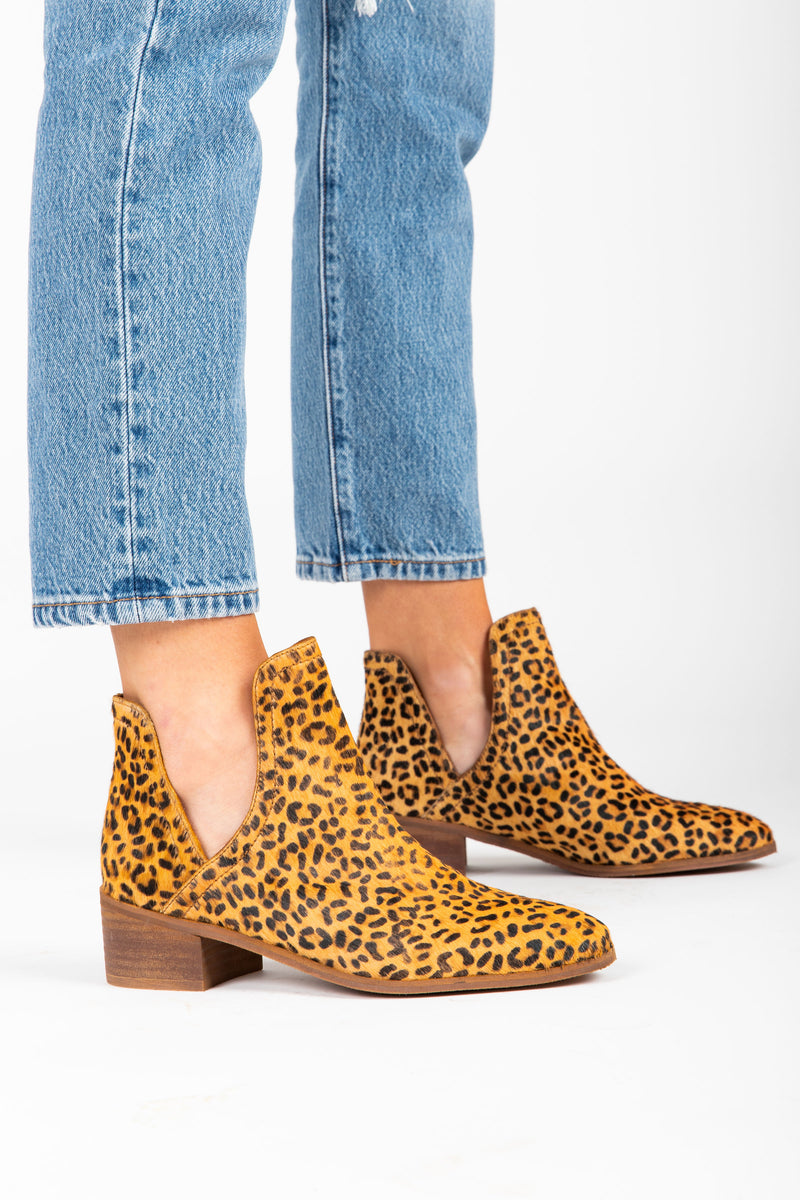 Matisse: Pronto Cut Out Bootie in Leopard Cowhair