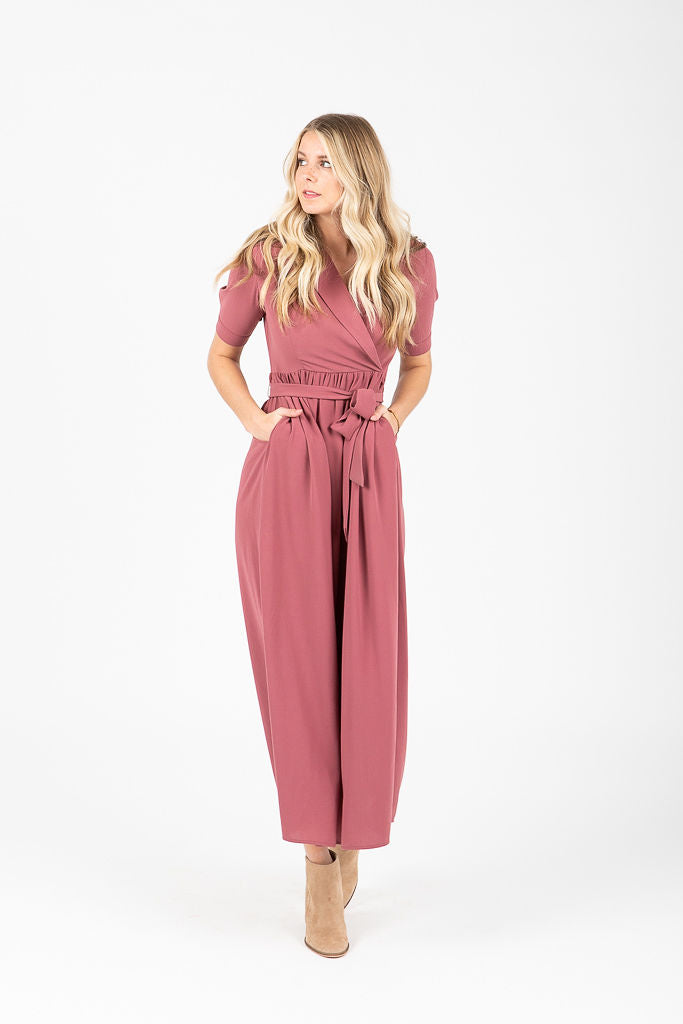 The Caroline Collared Maxi Dress in Mauve