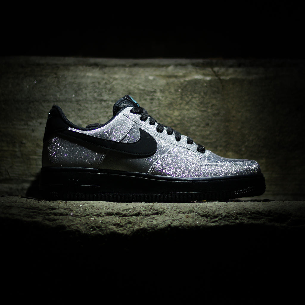 59985c2400f NIKE Air Force 1 07  LV8 – History of New York Powered by  Sneaker ...