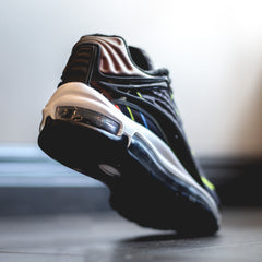 Air Max Deluxe - Black/Black-Midnight Navy-Reflect Silver