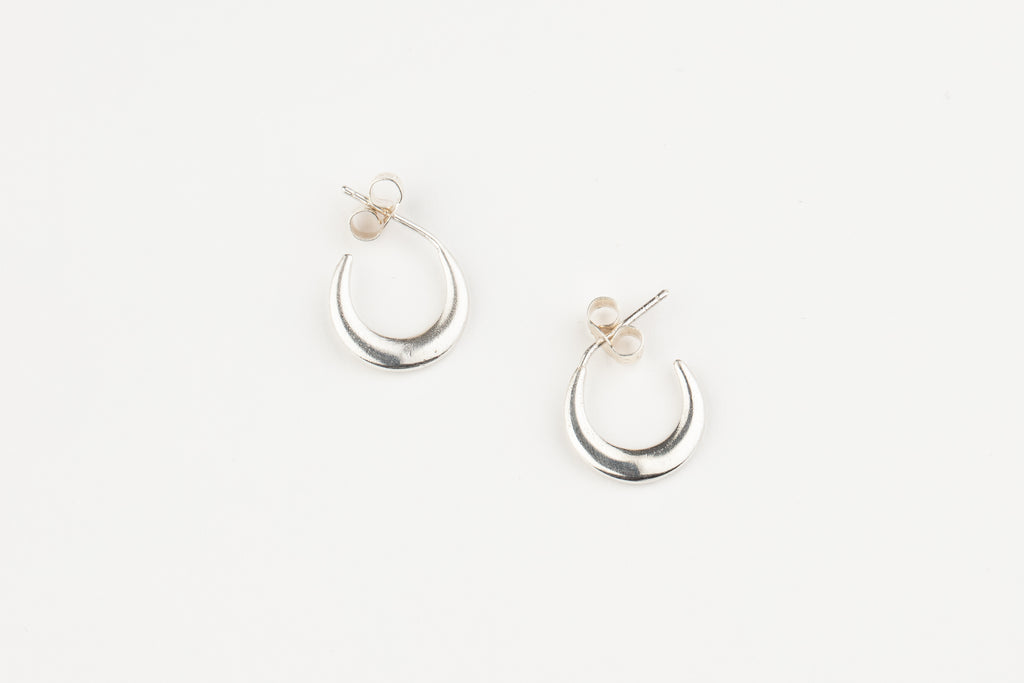 Small Crescent Moon Earrings