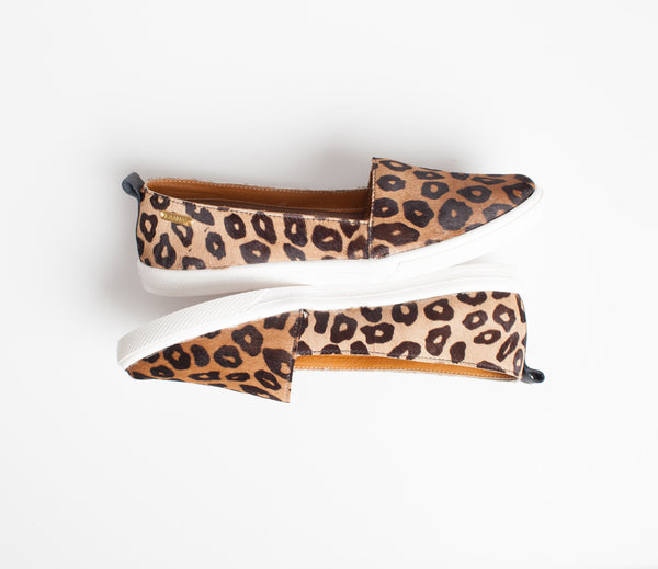 Kaanas Serengeti Cheetah Print Slip-on Sneaker