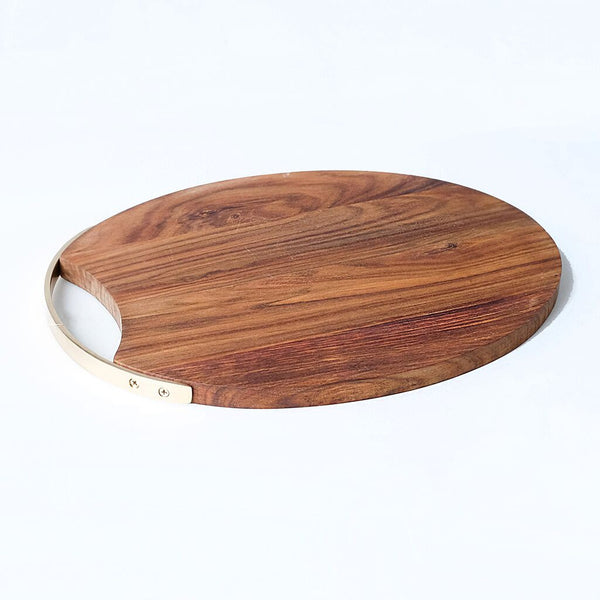 Curvo oval wooden serving board with brass handle