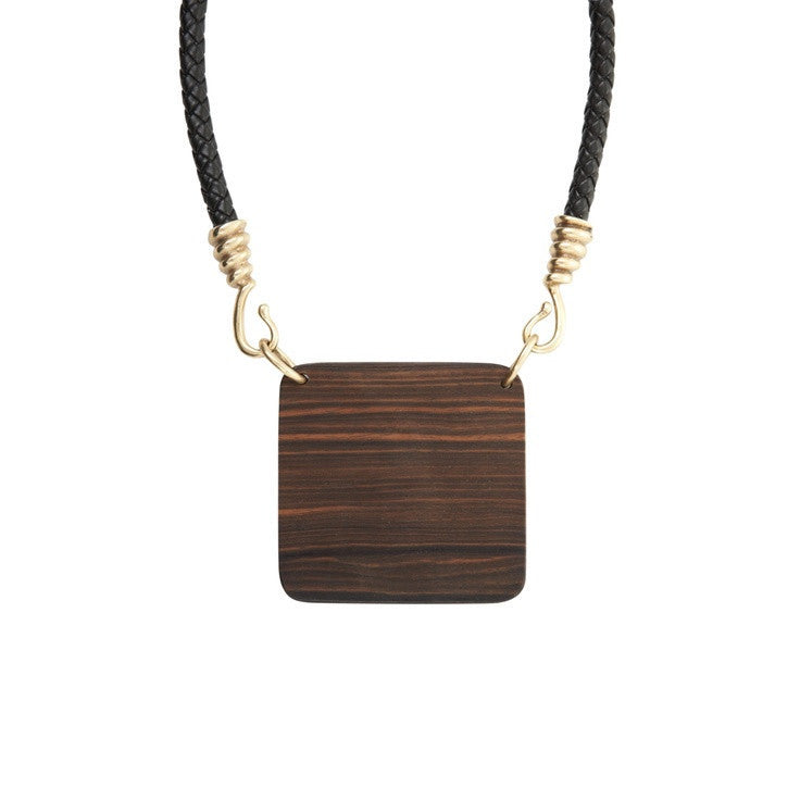 BCBGMAXAZRIA Wood Plate Necklace Closeup