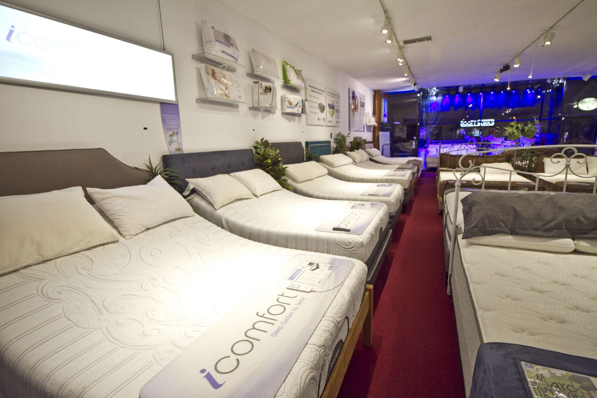 iComfort Mattress with Adjustable Base Bed in Studio City LA Mattress Stores