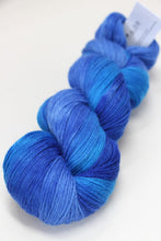 Load image into Gallery viewer, Artyarns - Merino Cloud - Ombre Collection