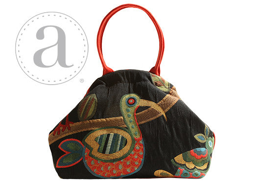 Betty Handbag in Birdy Black