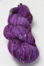 Load image into Gallery viewer, Meadowcroft Dyeworks - Donegal Cottage Tweed - DK