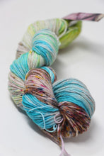 Load image into Gallery viewer, Trendsetter Yarns - Autumn Wind Confetti