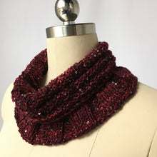 Load image into Gallery viewer, Artyarns Kit - Reversible Cowl