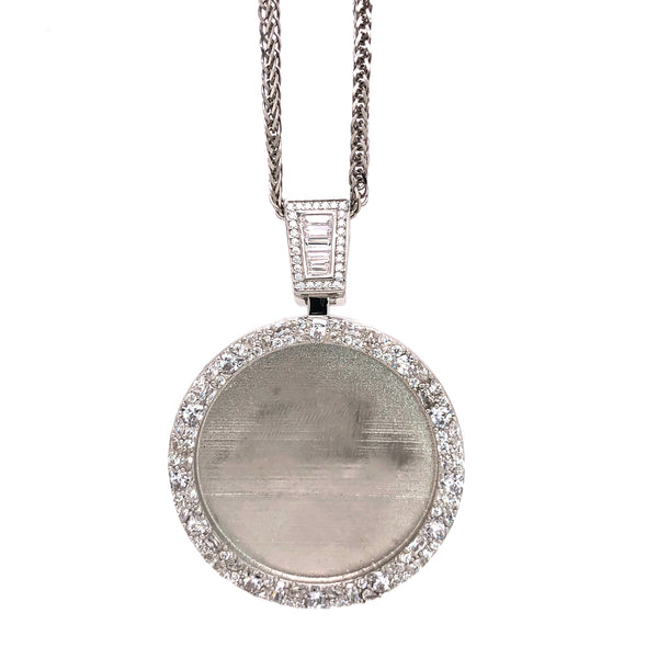 CIRCLE Pendant with a chain