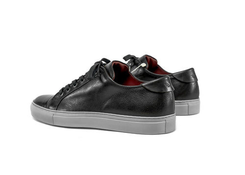 "Triumph Pillar Low ""Dark Charcoal Vegetable Tanned Leather"""